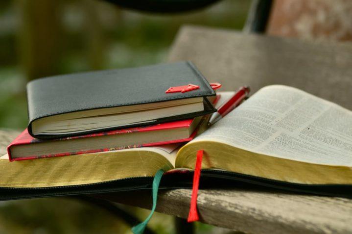 books-bible-learn-read-159763