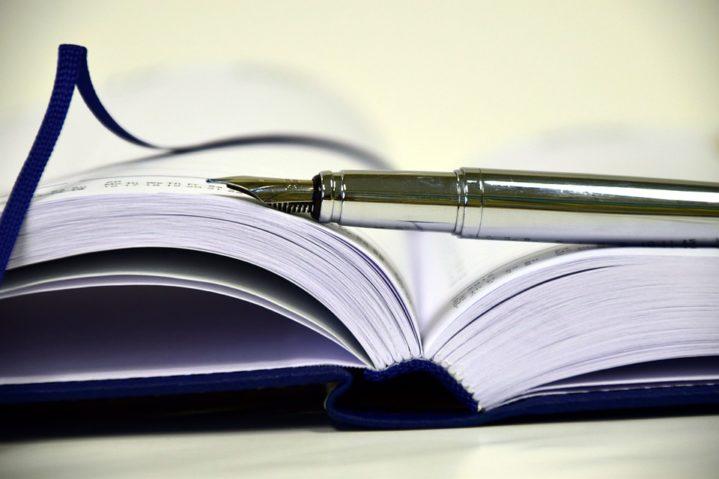 book-1945459_960_720
